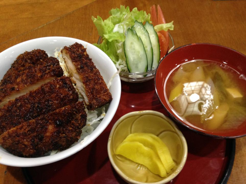 駒ヶ根 ソースカツ丼を食べてきました