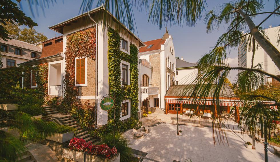 PARK HOTEL MIT DIREKTEN ZUGANG ZUM THERMALSEE