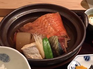 Love! 『赤坂 ひかわ』の金目鯛の煮つけ定食