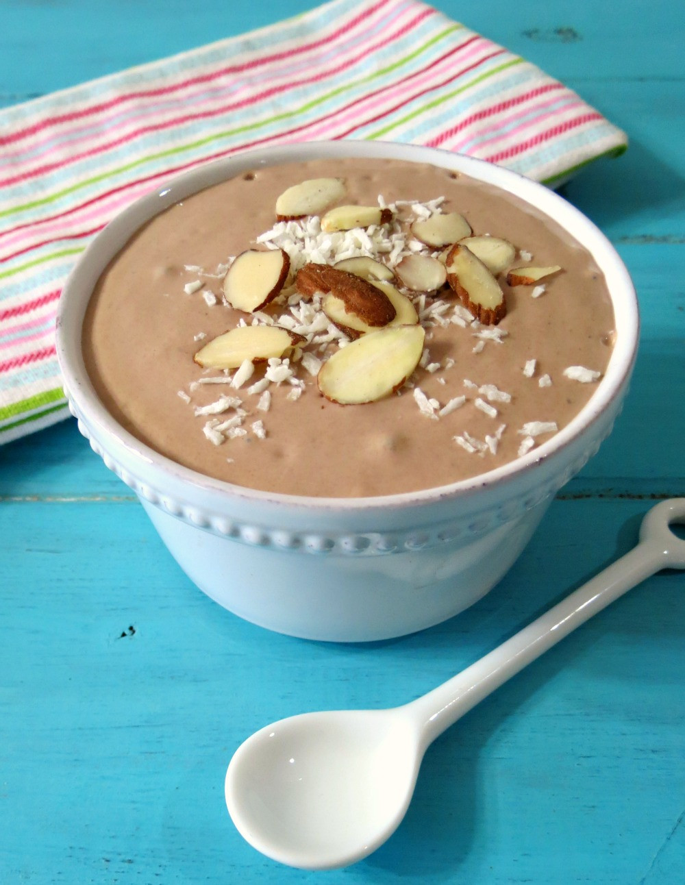 Almond-Joy-Breakfast-Smoothie-Bowl-004a.jpg