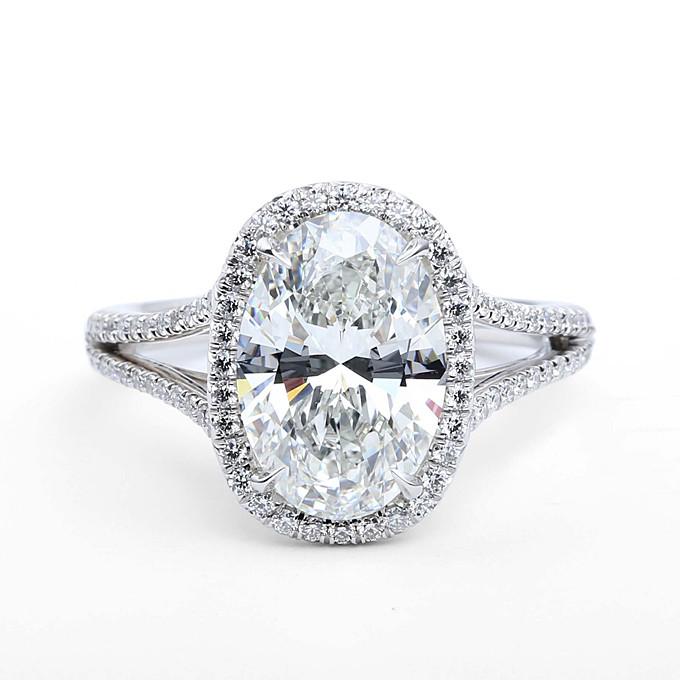 oval-cut-engagement-rings-oval-cut-diamonds-forevermark-01 (1).jpg