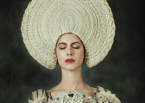 Photographer : Jérôme Pannetier Stylist : Agnieszka Osia Costume  Model : Alisson Malfroy  Make Up : Audrey Logeais  Retoucher : Monica Chamorro