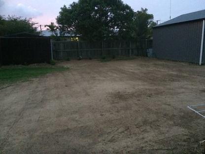 Elizabeth's garden before.png