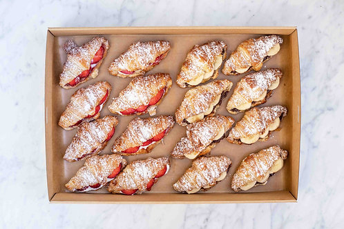 Strawberry Ricotta & Nutella Banana Croissants box | 16 pieces