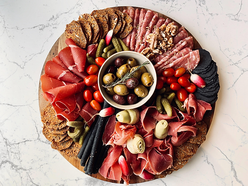 Charcuterie board | up to 15 pp