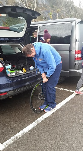 Flat tyre before the start