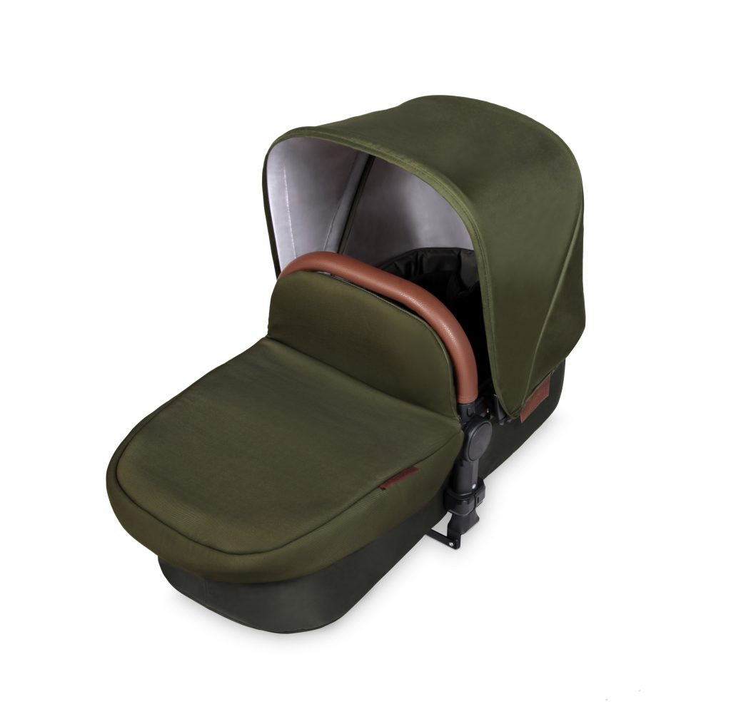 011_Stomp-V4_Woodland-Bronze_Carrycot-10