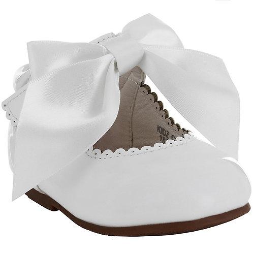 Tia London White Bow Shoe