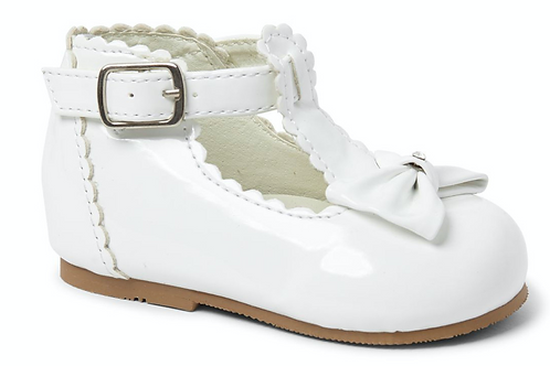Sally Shoe In White