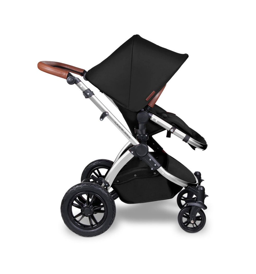 006_Stomp-V4_Midnight-Chrome_Pushchair-1