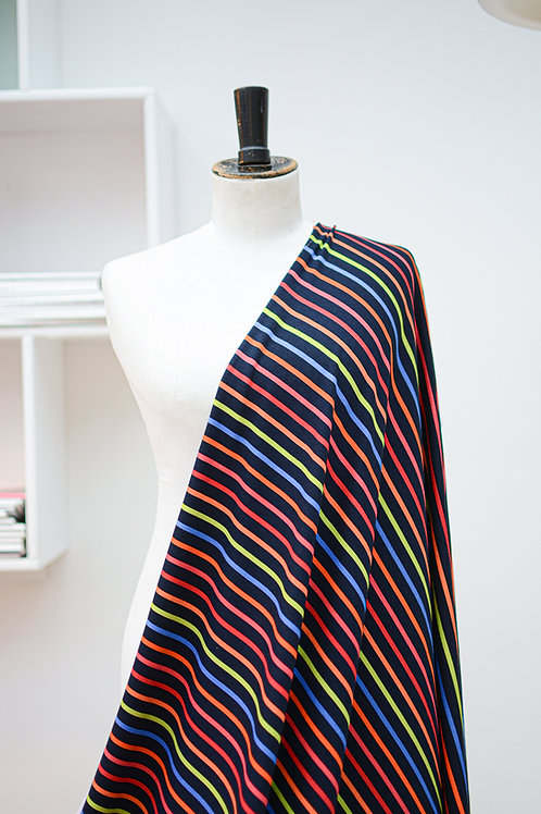 Tricot met kleurrijke strepen