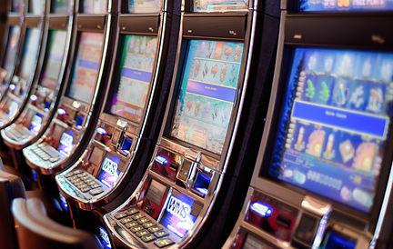 gambling-602976_cropped.jpg