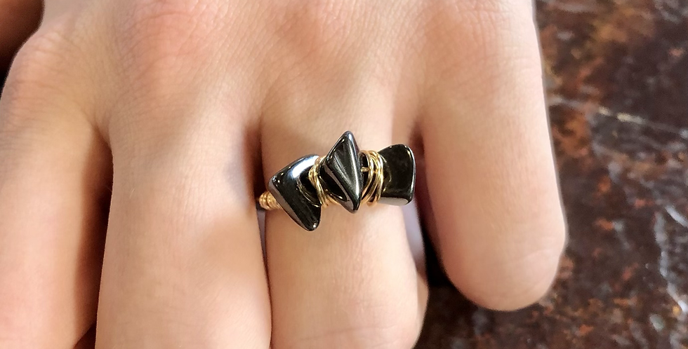 3 Claw Ring