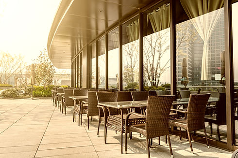 color-breakfast-outdoors-glass-white.jpg