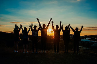 people-silhouette-during-sunset-853168.j