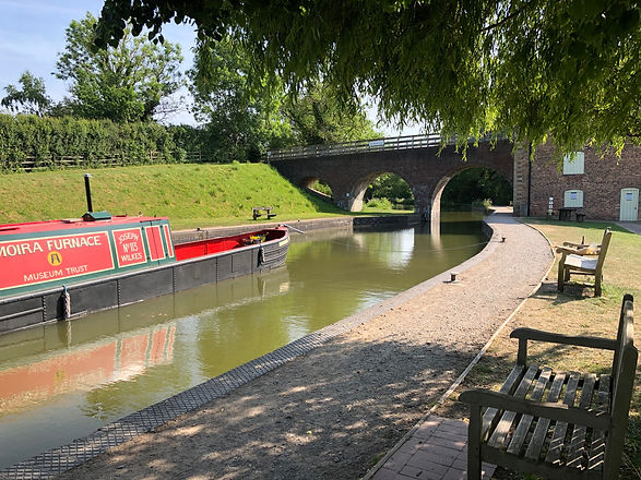 canal boat at work.jpg