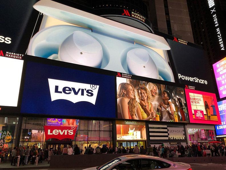 Invicta Time Square New York.jpg