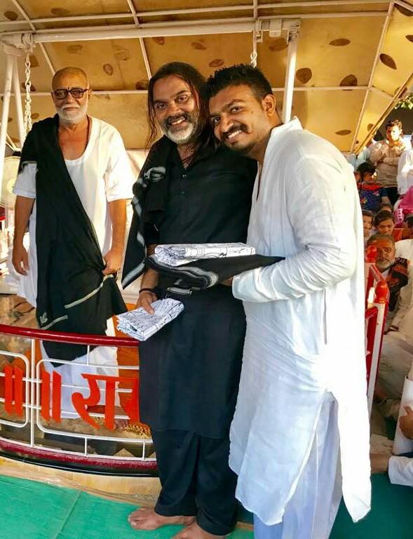 Bhavin Shastri with Pramukh Swami Maharaj