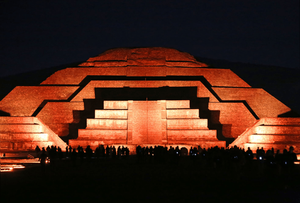 Teotihuacan_Nocturno_Turitour_2_960x651