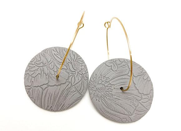 Gray textured hoop