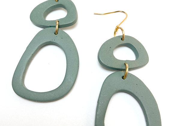 Green irregular hooks