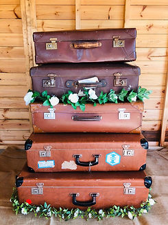 Large_Suitcases_£10_each.jpeg