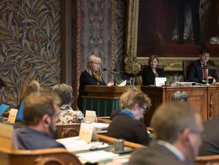 Benelux-Parlament: Ostbelgische Schüler stellen Schulprojekt des RSI Eupen in Den Haag vor - Auch Em