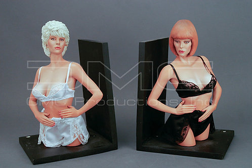 Seka 1/4 scale bookends