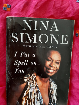 **£3.00**  - Nina Simone, I put a Spell On You (PRE-bookLOVED)