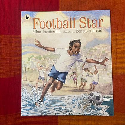 Football Star (Paperback) by Mina Javaherbin