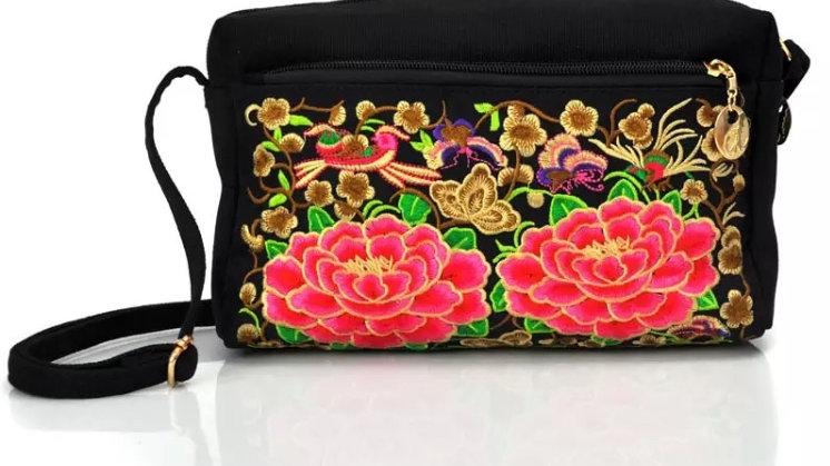 Vintage embroidery shoulder handbag