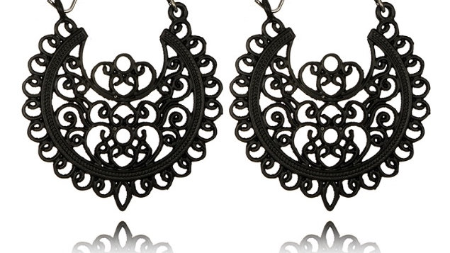Vintage earrings black