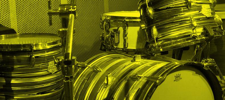 img-fond-batterie-jaune-1.jpg