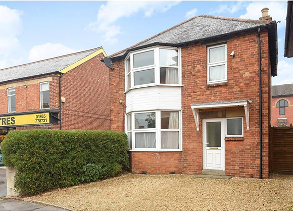 A five bedroom HMO available on a short let