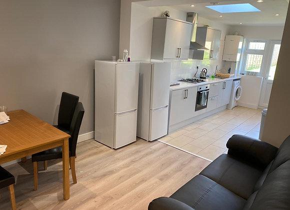 A fantastic 5 double bedroom HMO property