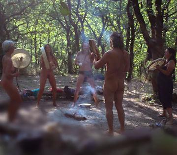 tambour chamanique dans les bois.jpg