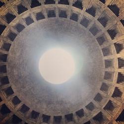 Instagram - pantheon