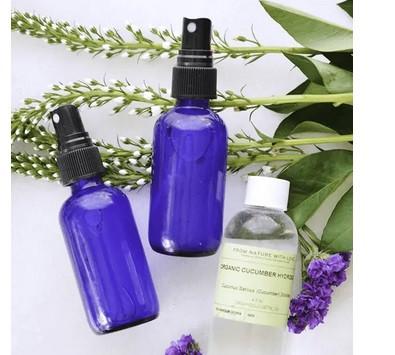 Natural Beauty Products - DIY Makeup Setting Spray.