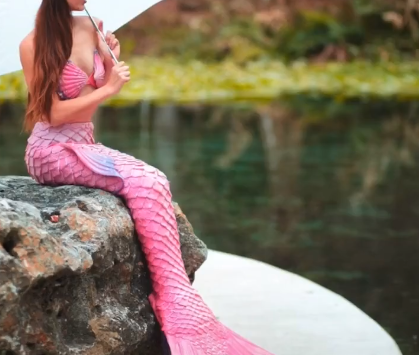 Top 9 Most Beautiful Mermaids.