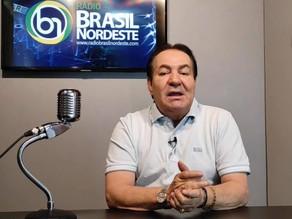 Decisão do Senado beneficia ex-prefeito Izaías Régis, que confirma sua candidatura a deputado