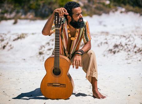 """""""Todo Santo Dia"""" é o novo single de Julico, da The Baggios!"""