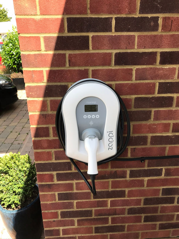 Zappi v2 EV charger 7kw Tethered (3).JPE