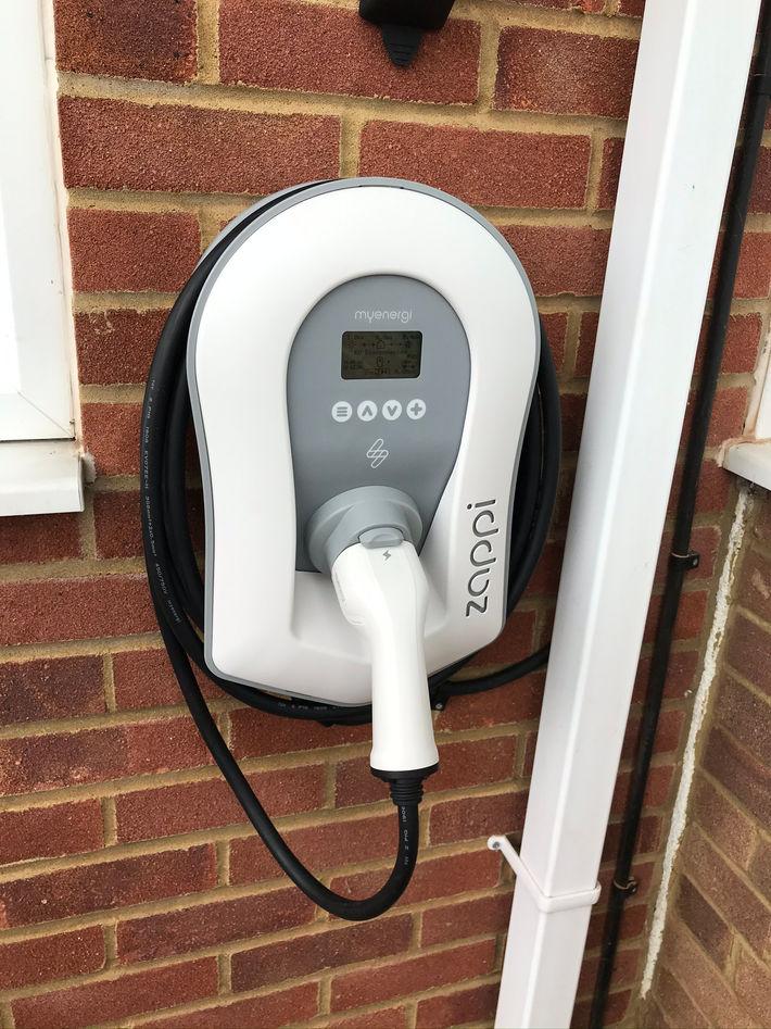 Zappi v2 EV charger 7kw Tethered (1).JPE
