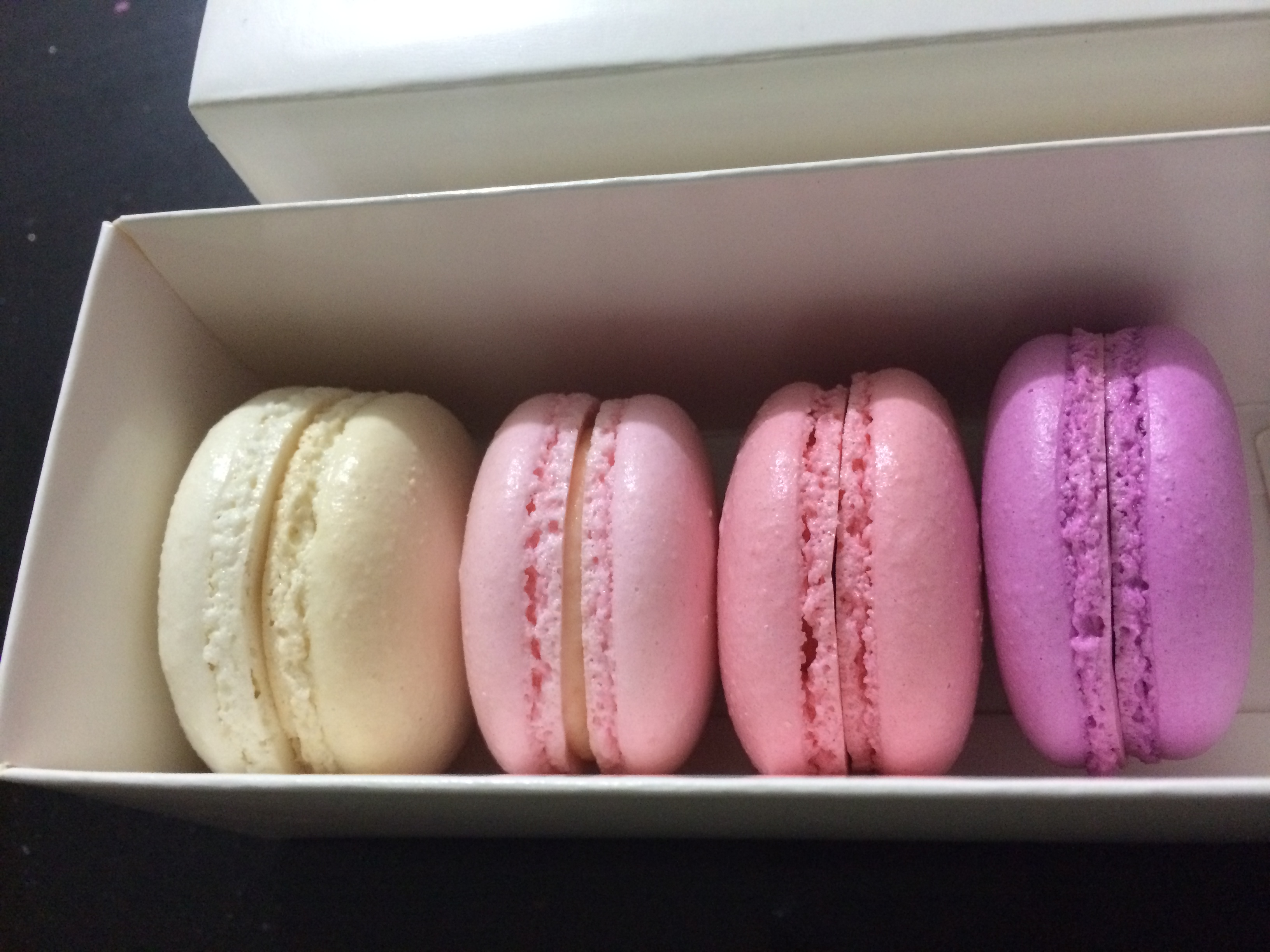 Pink Ombre Macaron Gift Box 4 Pack