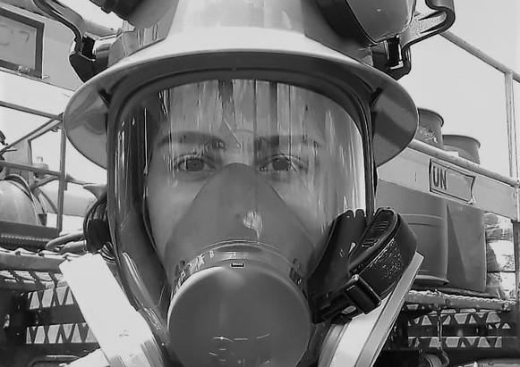 Funcionario con full face durante operaciones en campo petrolero. Octubre de 2019.