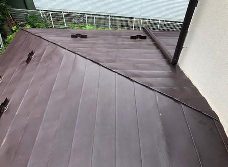 よくある雨漏り 横葺き屋根の隅棟からの雨漏り 盛岡市