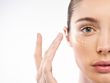 Want To Look Younger? Deal with Your Aging Eyes to Get Youthful Appearance!