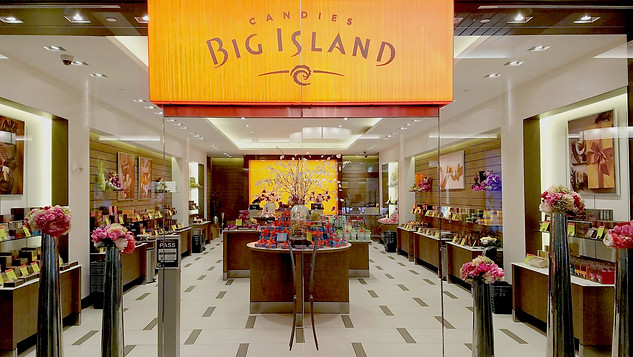BIG ISLAND CANDIES AT ALA MOANA