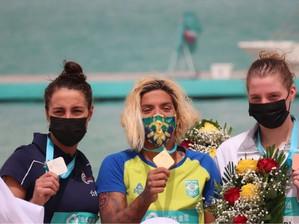 Ana Marcela conquista medalha de Ouro no Circuito Mundial