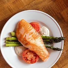 Salmon con Esparragos